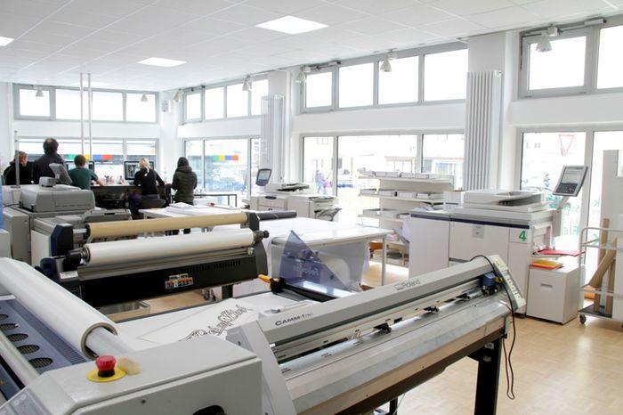 wiesingermedia reutlingen b rozubeh r. Black Bedroom Furniture Sets. Home Design Ideas