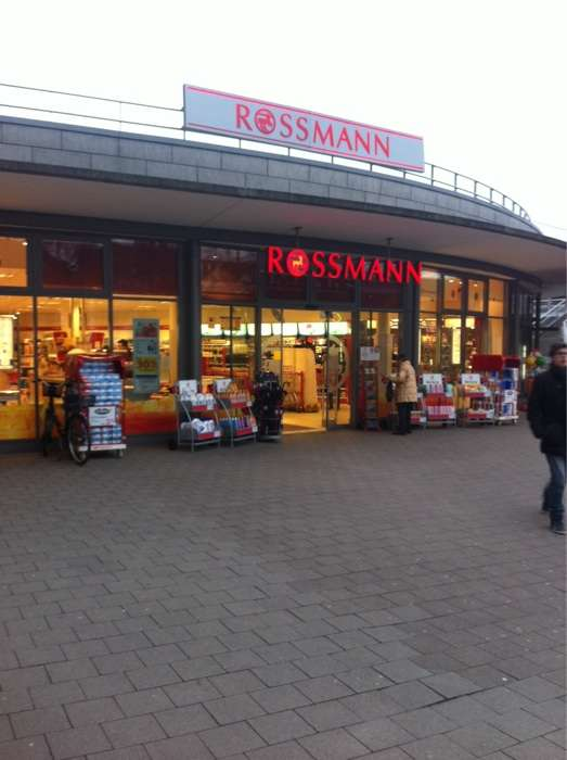 rossmann drogeriem rkte 1 foto hamburg poppenb ttel heegbarg golocal. Black Bedroom Furniture Sets. Home Design Ideas