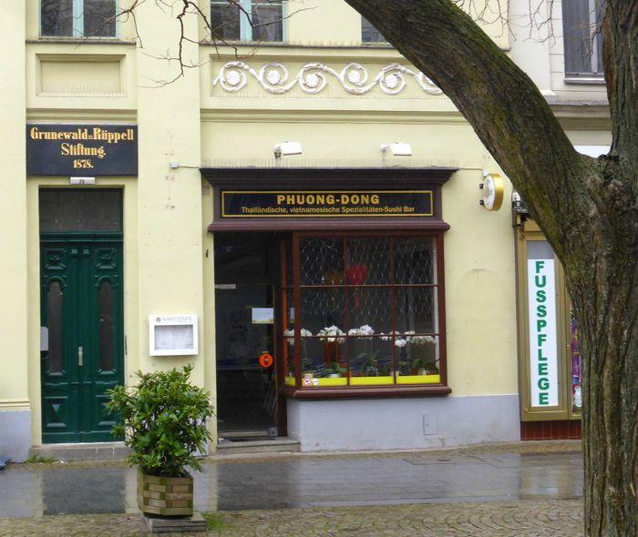 bilder und fotos zu phuong dong restaurant in berlin breite stra e. Black Bedroom Furniture Sets. Home Design Ideas