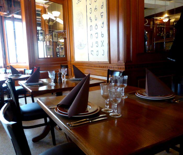 bilder und fotos zu restaurant genazvale in berlin hohenzollerndamm. Black Bedroom Furniture Sets. Home Design Ideas