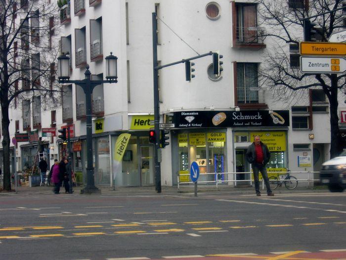 bilder und fotos zu hertz autovermietung gmbh in berlin kaiserdamm. Black Bedroom Furniture Sets. Home Design Ideas
