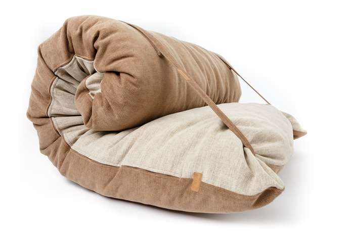bilder und fotos zu adam pillows in k ln heliosstr. Black Bedroom Furniture Sets. Home Design Ideas