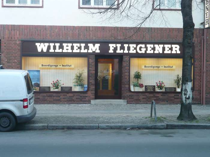 fliegener wilhelm beerdigungsinstitut 1 foto berlin spandau falkenhagener str golocal. Black Bedroom Furniture Sets. Home Design Ideas