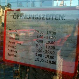 Kaufhaus STOLZ in Born am Darß