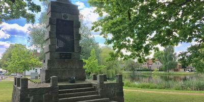 Kriegerdenkmal in Ahrensfelde Gemeinde Ahrensfelde Blumberg