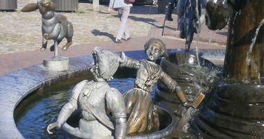 Der Sagenbrunnen in Jever