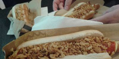 Hot Dog King im Bahnhof Halle in Halle an der Saale