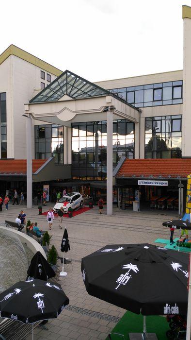 Hans Segmüller Polstermöbelfabrik Gmbh Co In Parsdorf In Das