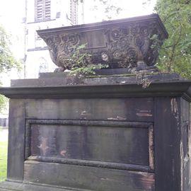 Grabstätte der Eheleute von Schmerfeld auf dem Altstädter Friedhof in Kassel
