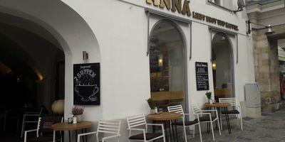 Anna liebt Brot und Kaffee in Straubing