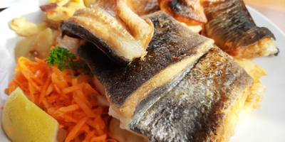 Kröning's »Fischbaud« Fischrestaurant und Räucherei in Kirchdorf Poel Gemeinde Insel Poel
