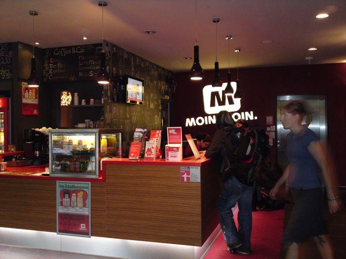 bilder und fotos zu meininger 10 hamburg gmbh city hostels hotels in hamburg goetheallee. Black Bedroom Furniture Sets. Home Design Ideas