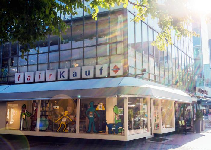 ce5d8990c74a4e Bilder und Fotos zu fairKauf eG - Kaufhaus Hannover City in Hannover ...
