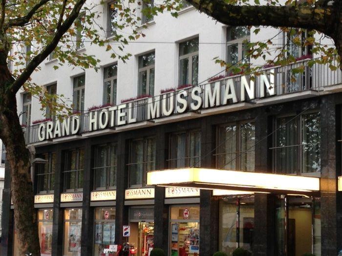 grand hotel mussmann 73 bewertungen hannover mitte ernst august platz golocal. Black Bedroom Furniture Sets. Home Design Ideas