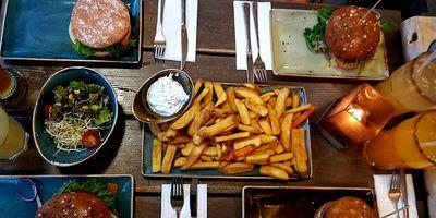 HANS IM GLÜCK Burgergrill & Bar in Dresden