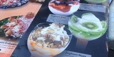 Eiscafé Calchera in Gemünd in der Eifel Stadt Schleiden