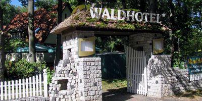 Waldhotel Frohnau mit Restaurant Rabennest in Berlin