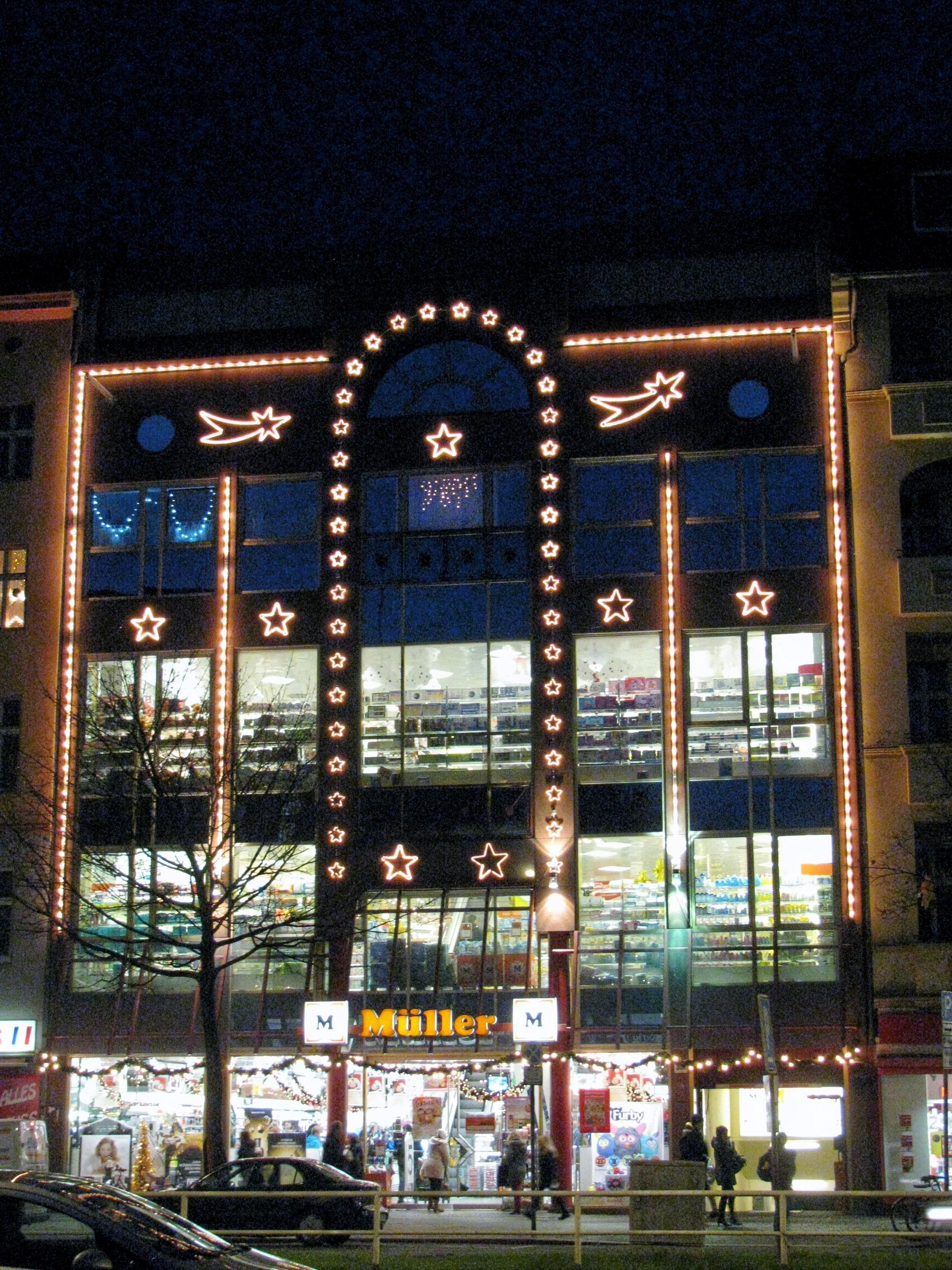 Weihnachtsdeko Laden Berlin.Mh Müller Handels Gmbh 13353 Berlin Wedding öffnungszeiten