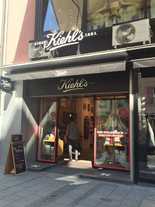 kiehl 39 s store sendlinger 1 foto m nchen altstadt. Black Bedroom Furniture Sets. Home Design Ideas