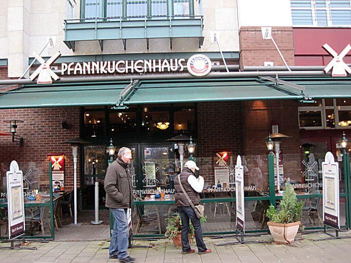 bilder und fotos zu pfannkuchenhaus centro in oberhausen im rheinland promenade. Black Bedroom Furniture Sets. Home Design Ideas