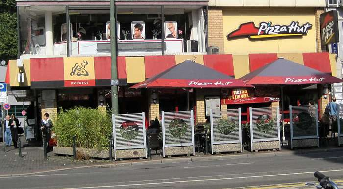 bilder und fotos zu pizza hut restaurant in d sseldorf schadowstr. Black Bedroom Furniture Sets. Home Design Ideas
