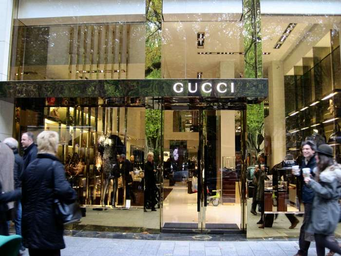 gucci gg luxury goods gmbh 2 fotos d sseldorf. Black Bedroom Furniture Sets. Home Design Ideas