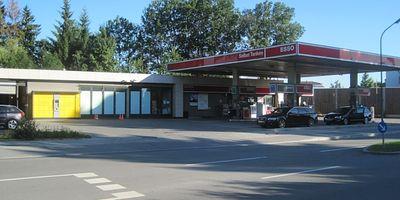 ESSO Station in Unterföhring