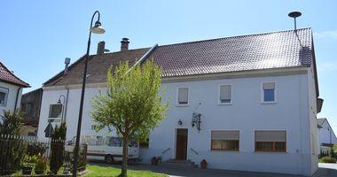 Schmidt-Bräu Gasthof in Neuhaus Gemeinde Adelsdorf