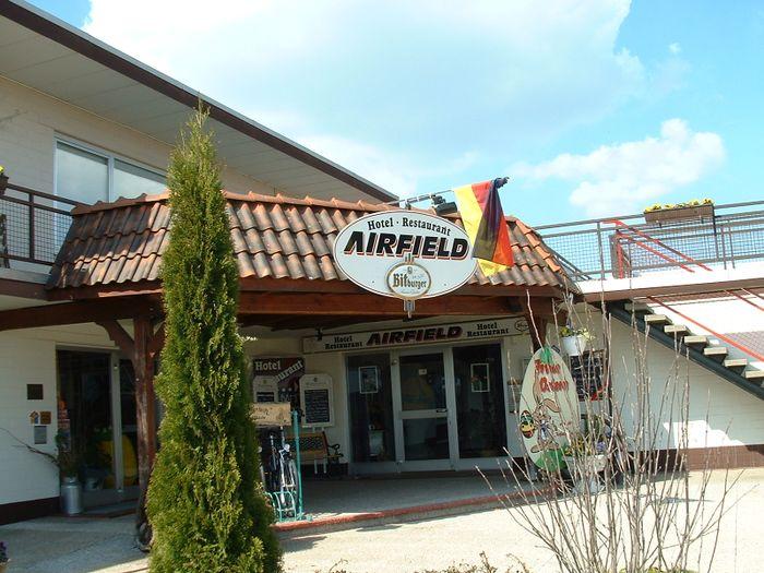 Airfield hotel restaurant gmbh 2 bewertungen for Airfield hotel ganderkesee