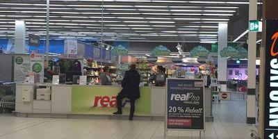 real,- SB-Warenhaus in Bremen
