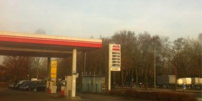 Avia-Tankstelle H. Langthaler in Wiefelstede