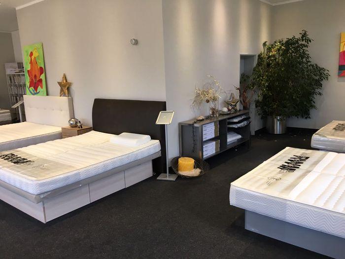 aquabett by rwm schlafsysteme 4 fotos m nchen hasenbergl schlei heimer str golocal. Black Bedroom Furniture Sets. Home Design Ideas