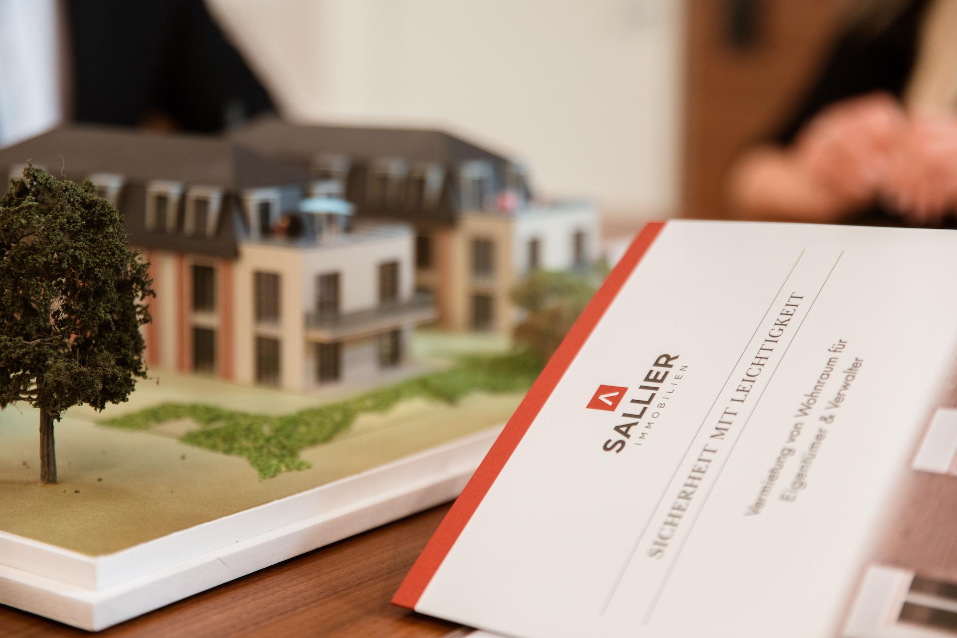 ➤ Sallier Immobilien 21335 Lüneburg-Altstadt Öffnungszeiten ...