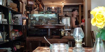 Lollo Rosso- Bistro Caffe' Bar in München