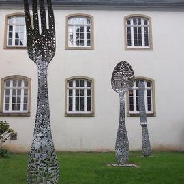 Gabel - Löffel - Messer -Besteck- Skulptur am Deutschen Klingenmuseum in Solingen