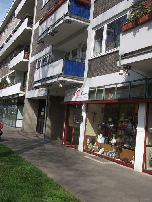 markrthallen d sseldorf antik und hallenflohmarkt mit caf 1 bewertung d sseldorf bilk. Black Bedroom Furniture Sets. Home Design Ideas
