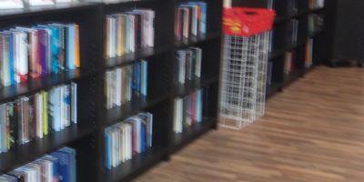 Bücherschrank der Bürgerstiftung Duisburg - Duisburg liest in der Königsgalerie in Duisburg