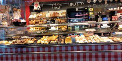 Geiping Wilhelm GmbH & Co.KG Bäckerei im HBf Wanne Eickel in Herne