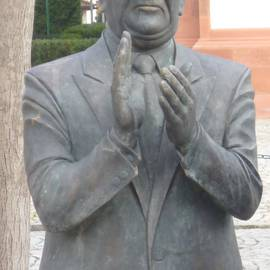 Die Claque - Bronzeskulptur in Schwetzingen