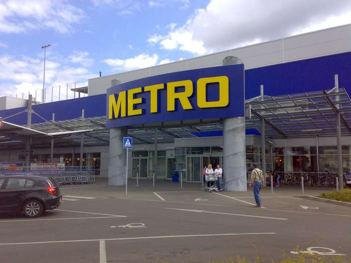 metro berlin friedrichshain cash carry gro markt in. Black Bedroom Furniture Sets. Home Design Ideas