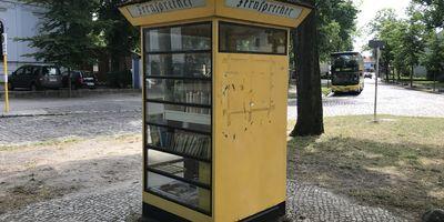 Technisches Denkmal »Reichspost-Telefonzelle Typ 28« Lübars in Berlin