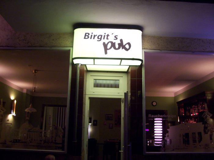 bilder und fotos zu birgit 39 s pub inh birgit arndt in berlin fritschestr. Black Bedroom Furniture Sets. Home Design Ideas