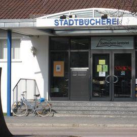 Bild zu Rathaus , Bücherei in Geretsried