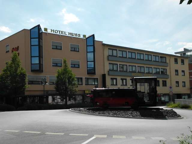hotel huss 13 bewertungen limburg an der lahn bahnhofsplatz golocal. Black Bedroom Furniture Sets. Home Design Ideas