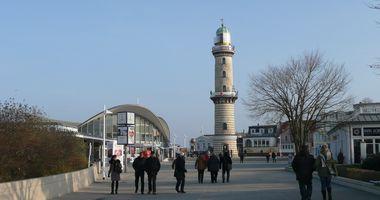 Leuchtturm Warnemünde in Rostock Seebad Warnemünde