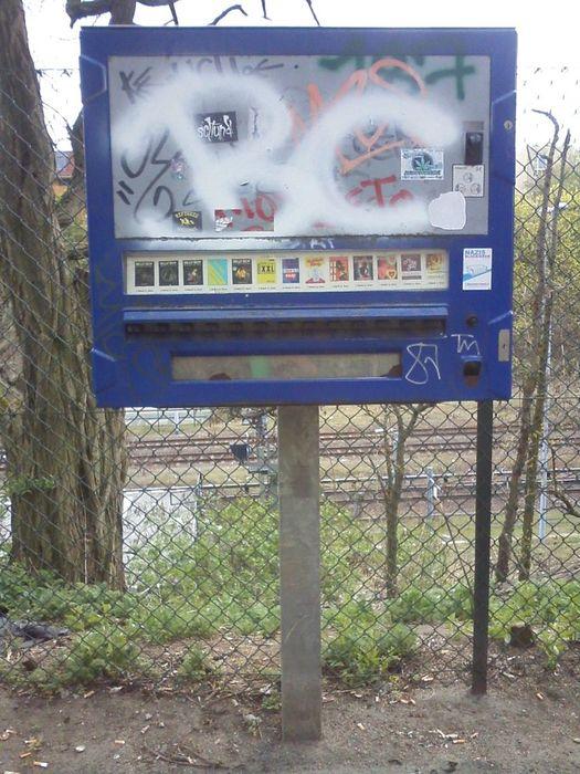 In nähe kondomautomat der Diebstahl: Unbekannter