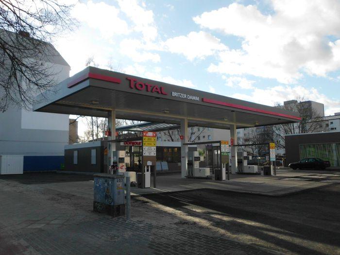 total station tankstelle in berlin britz im das telefonbuch finden tel 030 62 98 1. Black Bedroom Furniture Sets. Home Design Ideas