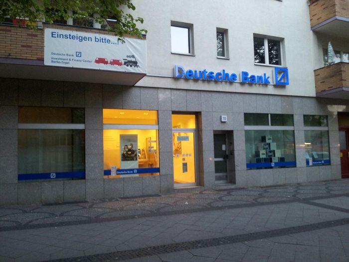 deutsche bank berlin tegel 1 bewertung berlin tegel schlo str golocal. Black Bedroom Furniture Sets. Home Design Ideas