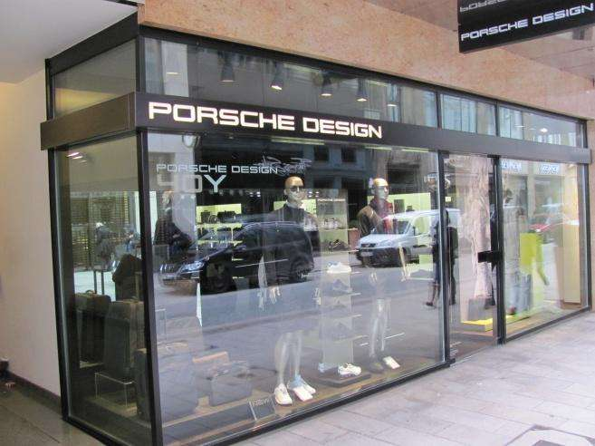 porsche design store 2 fotos hamburg neustadt poststr golocal. Black Bedroom Furniture Sets. Home Design Ideas