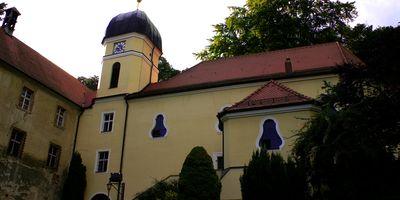 Schlosskirche Hl. Kreuz u. Hl. Margarete in Teublitz